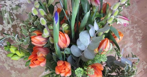 finished bouquet orange tulips